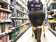 SSBBW BUSTY PAWG FAN family dollar candid MasssiveJiggle