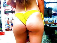 Tremendous young girl with a tiny bikini!