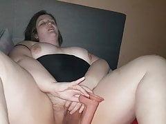 BBBW MILF Has Loud Orgasm Fucking Her Pussy