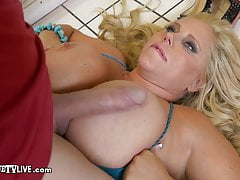 Curvy Milf Karen Fisher Fucks Builder ERIC JOHN For Discount
