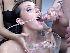 Premium Bukkake - Carolina Vogue swallows 67 big cumshots