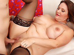 Curvy Mature Leylani Wood Gets Licked and Dicked