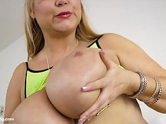 She Squirts! Amazing