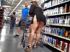 upskirt shopping thick milf